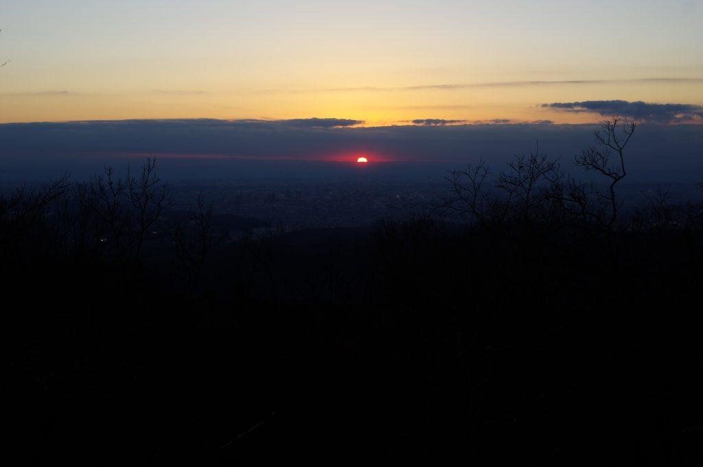 高尾山 山頂からの日の出