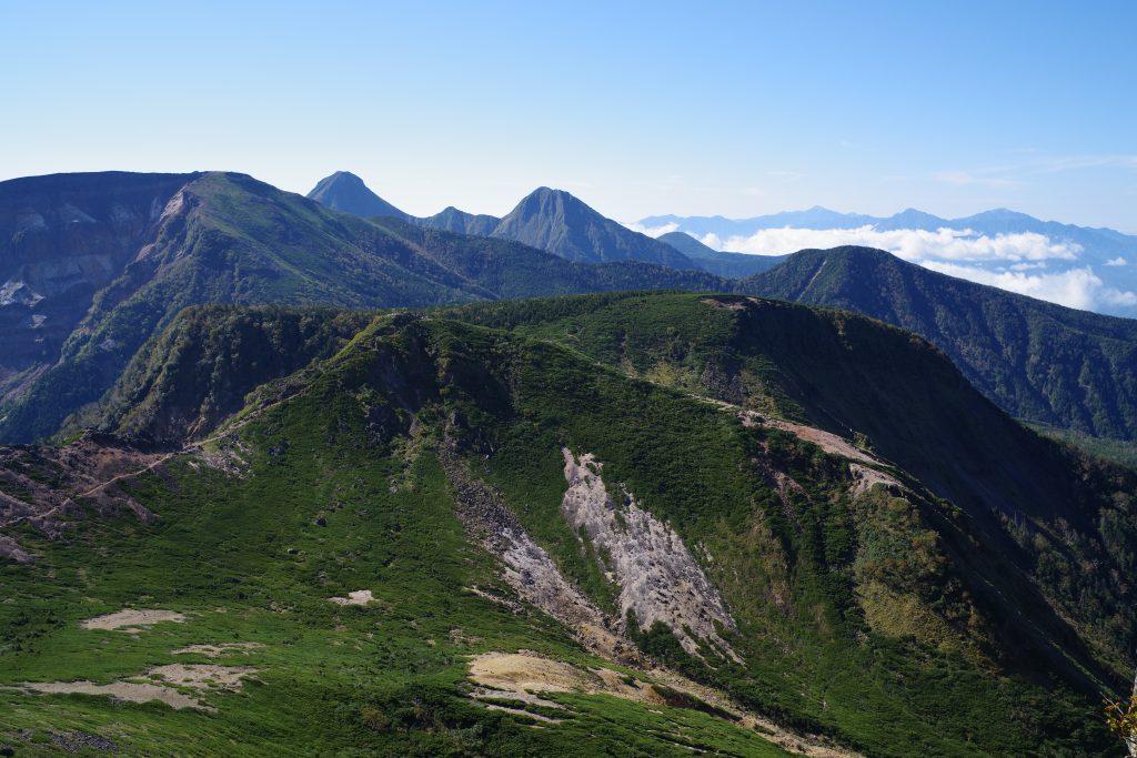 東天狗岳から南八ヶ岳方面の眺め